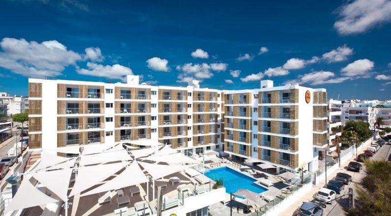 Exterior desde el aire Hotel Ryans Ibiza