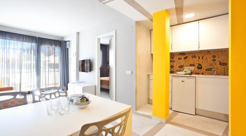 Apartamento Salón cocina Hotel Ryans Ibiza