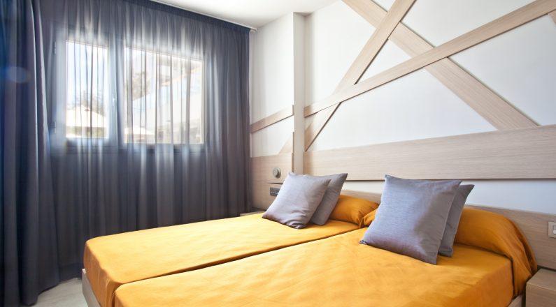 Habitación doble en Hotel Ryans Ibiza