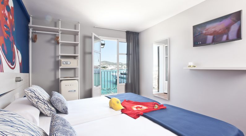 ryans la marina, room premium double sea view