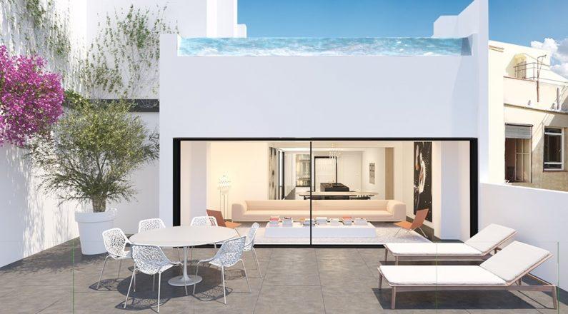 Terraza con piscina en vivienda de Barcelona