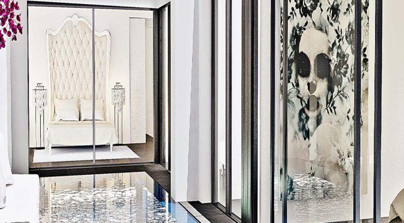 Interior vivienda con piscina