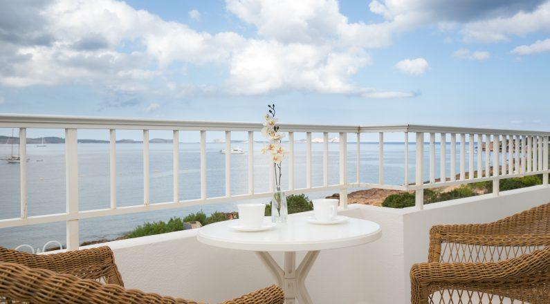 Balcón con vistas al mar, contrucción hotel